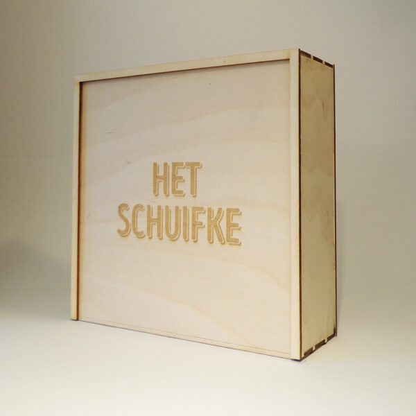 Houten doos met Het Schuifke op schuifdeksel