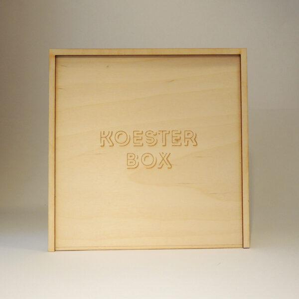Houten doos met Koesterbox op schuifdeksel